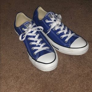 Converse royal blue low tops